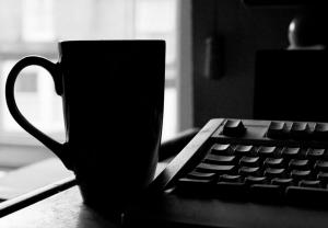 Content-marketing-writing-keyboard-mug